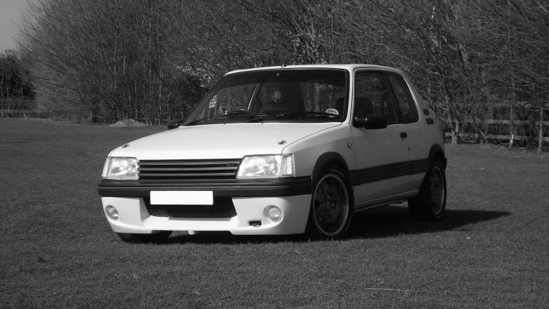 Peugeot 205 gti 1 6 car of the month entry for Housse 205 gti