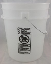Product image of Vertar 5 Gallon Bucket and Gritguard Set